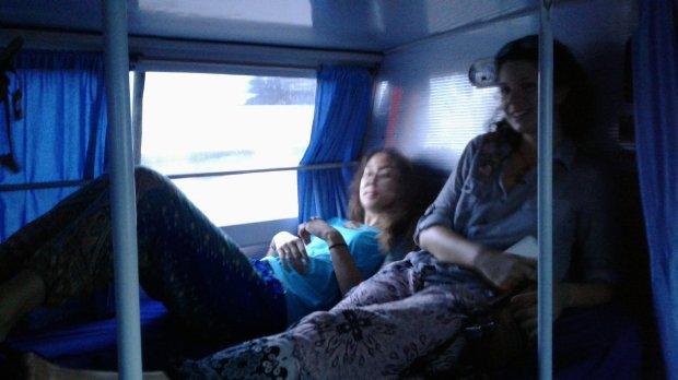 Les bus couchettes ont de VRAIES couchettes :)